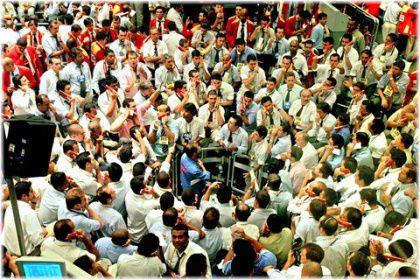 stock brokers on trading floor