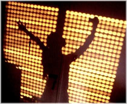 woman silhouette dance