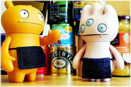 two alien toys
