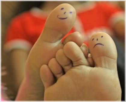 happy and sad toes
